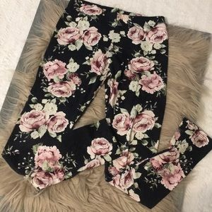 Soft knit flower leggings
